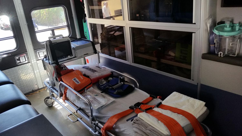 ambulancia-interior-oaxaca-equipo